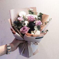 주문 레슨문의 Katalk ID vanessflower52 #vanessflower #vaness #flower #florist #flowershop #handtied #flowergram #flowerlesson #flowerclass #바네스 #플라워 #바네스플라워 #플라워카페 #플로리스트 #꽃다발 #원데이클래스 #플로리스트학원 #화훼장식기능사 #플라워레슨 #플라워아카데미 #꽃스타그램 . . . #꽃다발 . . 귀여운 미니 사이즈 다발