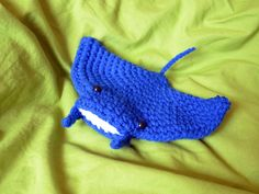 Manta Ray free crochet pattern by Pops de Milk