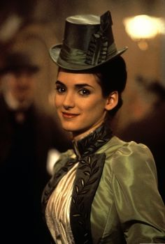 Mina Harker green walking dress (Bram Stoker's Dracula, Coppola)