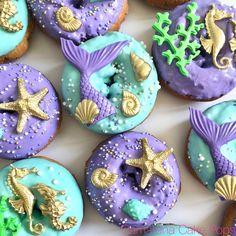 Mini Donuts, Cute Donuts, Donuts Donuts, Doughnut, Dessert Design, Mermaid Theme Birthday, Little Mermaid Birthday, Cute Baking, Donut Decorations