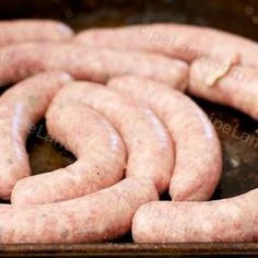 German Bratwurst Pork Sausage Recipe - - This is a great homemade Bratwurst recipe made with pork. I love these sausages served with red cabbage and mashed potatoes with home made brown gravy. Pork Sausage Recipes, Homemade Sausage Recipes, Bratwurst Recipes, Dog Food Recipes, Pork Bacon, Homemade Bratwurst Recipe, Venison Recipes, German Bratwurst, Bratwurst Sausage