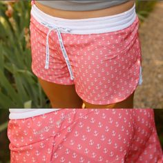 The Jadelynn Brooke sisters keep on doing it with their super cute preppy styles. You will love these precious wear anywhere pink foil dots shorts.They are lin