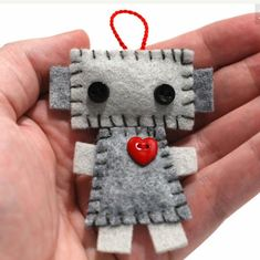 Hanging Plush Robot Ornaments Set of 3 Red Hearts by GinnyPenny Felt Diy, Felt Crafts, Diy Crafts, Felt Christmas, Christmas Crafts, Crafts For Kids, Arts And Crafts, Felt Decorations, Sewing Projects For Beginners