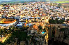 Visiting Ronda, in the heart of the province of Málaga, is an attractive way to learn about Andalusia's past. Palaces, Arab baths, watchtowers, Roman theatres and even primitive caves are available to visitors who can immerse themselves in a journey in time which unleashes the imagination.