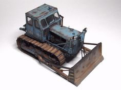 Red Iron Models - scale models of the Soviet construction and road machinery
