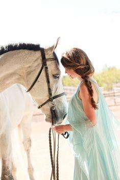 Gabriela Lim Photography #hair #horse #senior