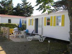Location mobil home 4 personnes au Camping La Pège, camping 3 étoiles avec accès direct à la plage et piscine chauffée, location de mobil homes à St Hilaire de Riez près des Sables d'Olonne en Vendée