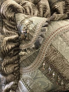 6 Stupendous Useful Ideas: Decorative Pillows Couch Red neutral decorative pillows guest bedrooms.Decorative Pillows Blue Interior Design decorative pillows for teens wall art. Rustic Decorative Pillows, Decorative Pillow Cases, Gold Pillows, Diy Pillows, Accent Pillows, Ruffle Pillow, Apartment Therapy, Home Decor Bedding, Pillow Arrangement