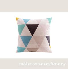 "$15 | Geometric Art | Decorative Home Decor Pillow Cover | 45x45cm 18""x18"" #homedecor #pillowcover #geometricart #geometrica #throwpillows"