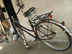 chainless bicycle by walens.. little modified with springer front fork.. duck tail mud guard.. micargi sadle