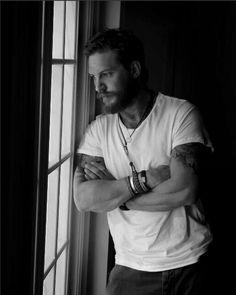 ♥Oh my .....Tom Hardy is insanely beautiful