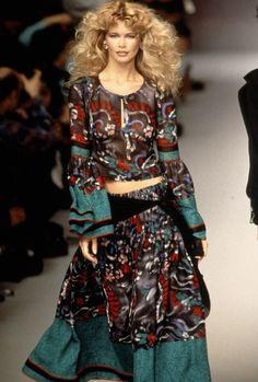 Claudia Schiffer au défilé Chloé automne-hiver 1995-1996