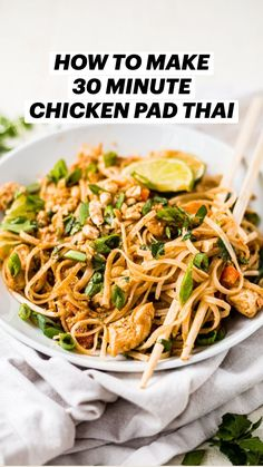 Easy Chicken Pad Thai Recipe, Pad Thai Chicken, Pad Thai Recipes, Healthy Noodle Recipes, Chinese Noodle Recipes, Thai Chicken Recipes, Healthy Asian Recipes, Healthy Chicken Pasta, Asian Dinner Recipes