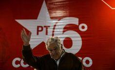 El expresidente uruguayo José Mujica condenó hoy la propiedad privada de la tierra en un encuentro en la ciudad brasileña de Sao Paulo organizado por el Movimiento de los Sin Tierra (MST), en el que defendió las luchas en Brasil por la reforma agraria y por la distribución de renta.