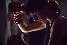 Θέλω να είσαι αδύναμος. Όσο αδύναμος είμαι εγώ.