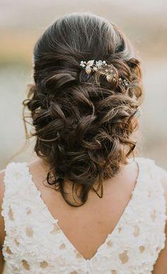 Wedding hairstyle idea; Featured Photographer: Kelsie Emm Photography