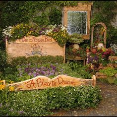 The flower 'bed' at Cambria Pines Lodge- Must photograph when I'm there!