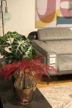 Op zoek naar leuke cadeaus voor de feestdagen? Kijk ook eens bij Trendhopper op Meubelplein Ekkersrijt! #cadeau #gift #cadeauidee #feestdagen #son #ekkersrijt #interieur #home #living #inspiratie #interior #accessoires #cadeaus #meubelpleinekkersrijt #sinterklaas #kerst #eindhoven #blog #interior #interiordesign #design #homedecor #home #architecture #decor #furniture #art #homedesign #interiors #decoration #inspiration #r #interi #interiordesigner #style #livingroom #interiorstyling Home Design, Nars, Gift Wrapping, Gifts, Home Decor, Gift Wrapping Paper, Presents, Decoration Home, Home Designing