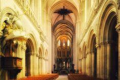 Notre Dame de Bayeux, France