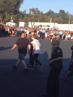 Niall arriving at the stadium today