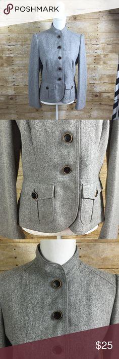 Banana Republic Wool Blazer Like new condition. Banana Republic size 8, gray wool blazer. Buttons up & has pockets. Lined. Banana Republic Jackets & Coats Blazers