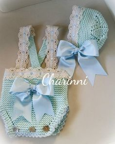 Photos and Videos Onesie Dress, Knit Baby Dress, Crochet Baby Clothes, Baby Dress Patterns, Baby Knitting Patterns, Love Crochet, Beautiful Crochet, Crochet Decoration, Little Girl Outfits
