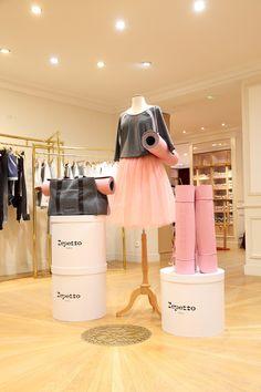 Boutique Repetto, Repetto Paris, Athleisure, Dance Studio Design, Dance Store, Ballet Style, Love Only, Ballet Fashion, Turkish Beauty
