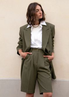 Julie Criss Cross Blazer in Olive Green : Julie Criss Cross Blazer in Olive Green – The Frankie Shop Looks Street Style, Looks Style, Looks Cool, My Style, Green Style, Curvy Style, French Style, Mode Outfits, Casual Outfits