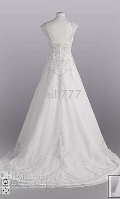 David's Bridal V9010, find it on PreOwnedWeddingDresses.com