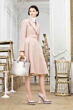 DÉFILÉS PRÉ-COLLECTIONS AUTOMNE-HIVER 2014-2015  Christian Dior