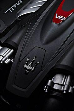 Maserati Quattroporte 2013 640 http://coolhdcarwallpapers.com/maserati-wallpapers