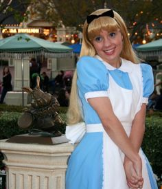 <3  Gingersnap  <3 Disney On Ice, Disney Live, Disney Girls, Disney Face Characters, Disney Movies, Alice In Wonderland Pictures, Alice Cosplay, Alice Liddell, Disney Beauty And The Beast