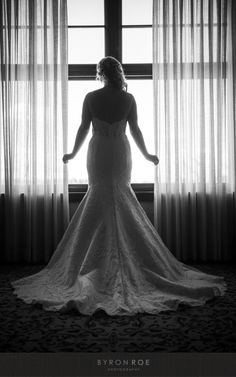 Elegant Bend Oregon Wedding Photographer Tara Francis Photography bridemaid us dresses mistmatched jersey