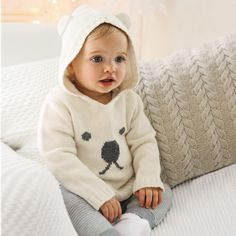 Baby Girl Polar Bear Hoodie at The White Company Tap the link now to find the hottest products for your baby! Baby Boy Fashion, Fashion Kids, Style Fashion, Little White Company, Pull Bebe, Bear Hoodie, Baby Pullover, Beige Pullover, Baby Bunnies
