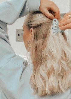 Clip Hairstyles, Loose Hairstyles, Pretty Hairstyles, Hair Locks, My Hair, Hair Inspo, Hair Inspiration, Hair Flip, Aesthetic Hair