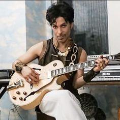 Prince, my Beautiful One 💜 💜💜 🙏🏽 Prince Images, Prince Purple Rain, Paisley Park, Roger Nelson, Prince Rogers Nelson, Purple Reign, My Prince, Beautiful One, Music Icon