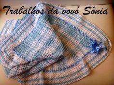 Trabalhos da vovó Sônia: Manta para bebê xadrez azul e branco - croché