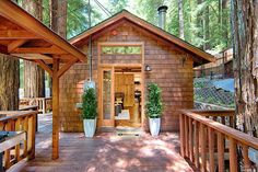 A beautiful 470 sq ft home in northern California. The one bedroom, one bathroom home comes with a large porch and beautiful views of the surrounding redwood forest.