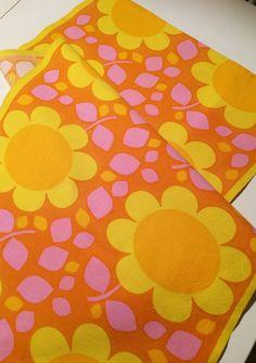 Mod •~• vintage orange, pink, & yellow floral pattern