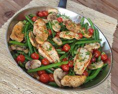 Clean Eating Recipe Balsamic Chicken Tenders and Veggies http://cleanfoodcrush.com/balsamic-chicken/