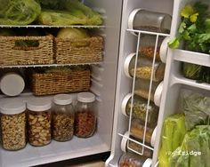raw food fridge :) this looks so fresh and well organized. Doesn't matter if you eat raw food exclusively or not, this is wonderful inspiration. Sure beats looking at year old salad dressing, and all other expired condiments sitting around!