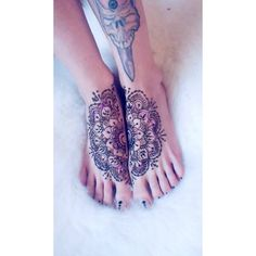Meitenes Ķekavā, ja kāda grib Hennas Tattoo, rakstiet man whatsapp Made one for myself too . Henna Tattoos, Henna Mehndi, Mehendi, Mandala Tattoo, Mandala Art, Hennas, Instagram Posts, Artwork, Work Of Art