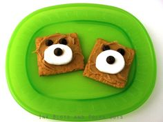 A Fun Snack / Treat for Kids..graham crackers and peanut butter...super cute!