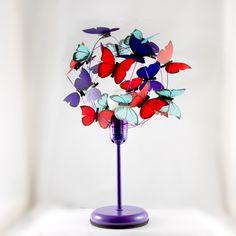¿Quién diría que las mariposas nos iluminan la vida? Encontrá esta original lámpara en la tienda de @atlastcrafts  - #MiTiendaNube