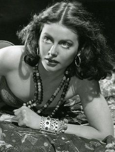 Hedy Lamarr became a recluse late in life. Another Hollywood tragic story. Hollywood Actor, Golden Age Of Hollywood, Vintage Hollywood, Hollywood Glamour, Hollywood Stars, Hollywood Actresses, Classic Hollywood, Actors & Actresses, Divas