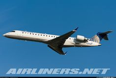 Bombardier CRJ-701ER (CL-600-2C10) - United Express (SkyWest Airlines)…
