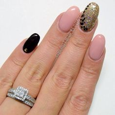 Acrylic Nails done by me. Almond Shape. Glitter. Animal Print. Soft Glittery Pink. Black. #NOTD #NOTW Pinterest Inspired. ❤️