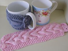 Kelly!! New crochet day idea?? Maybe teacher gifts??? regular mug cozy