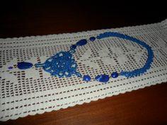 colar fio de seda e peças em resina
