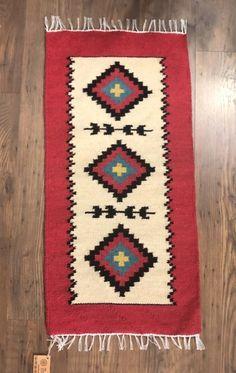 Covor 90x50 cm motiv roata vieții roșu-2-big Bohemian Rug, Pastel, Rugs, How To Make, Home Decor, Embroidery, Carpets, Interior Design, Home Interiors